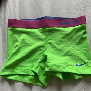 Nike pro spandex size M